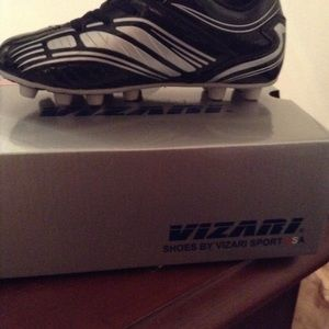 Shoes - Vizari youth size 1 soccer cleats-